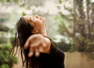 hair-take-care-rainy-season