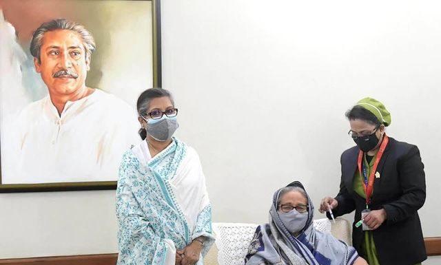 prime minister took vaccine